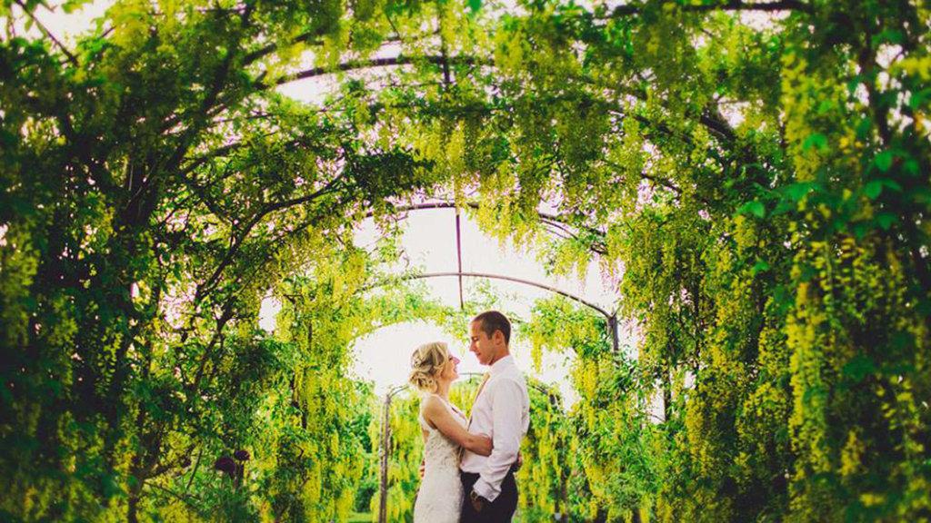 spring-wedding-worcestershire-birtsmorton